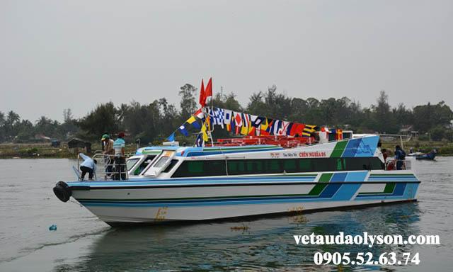Tàu siêu tốc Chín Nghĩa 05 đi Lý Sơn