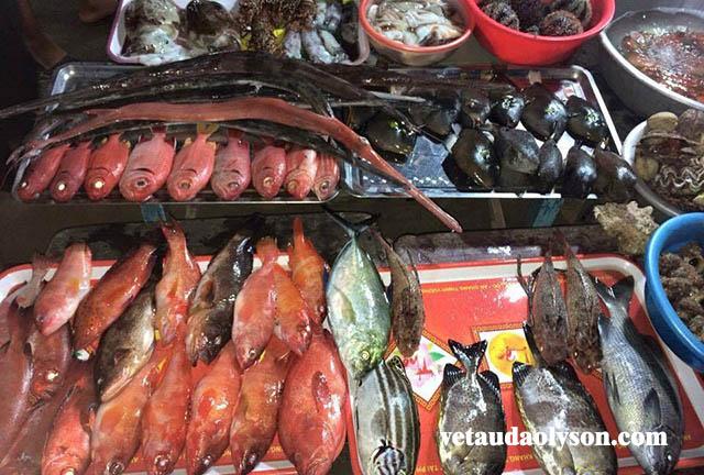 Chợ đêm hải sản ở Lý Sơn