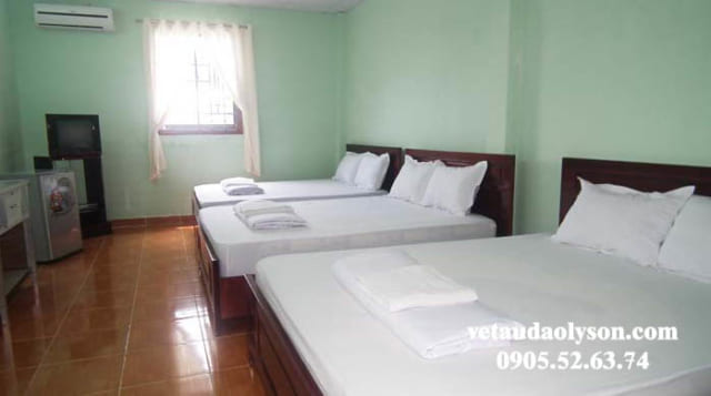 Phòng 3 giường nhà nghỉ tại Lý Sơn