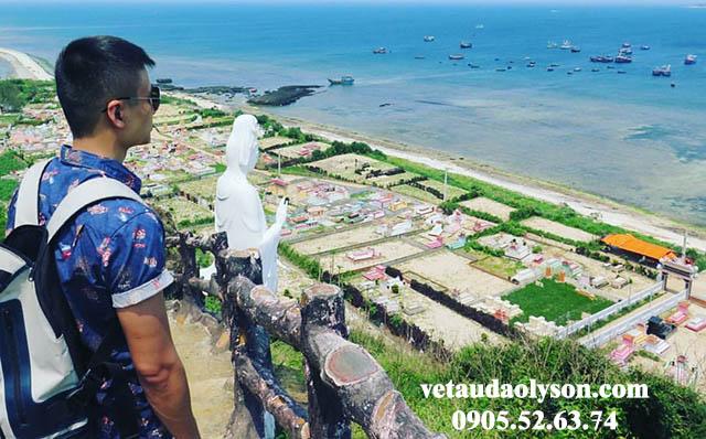 Lên Chùa Đục có view ngắm biển tuyệt đẹp