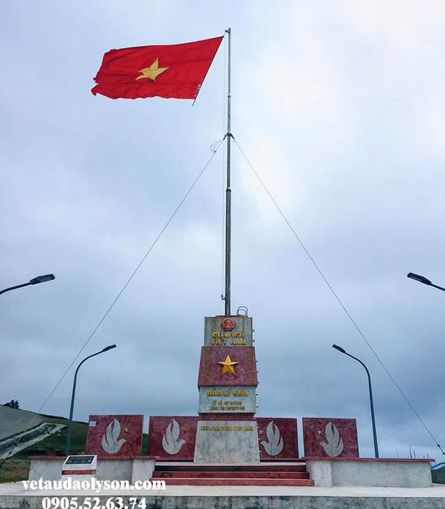 Cột cờ Tổ Quốc nơi khẳng định chủ quyền lãnh thổ