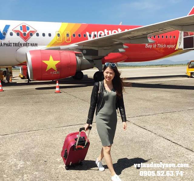 Đặt vé máy bay đi Lý Sơn dịp lễ 30/4 nên trước 1 tháng