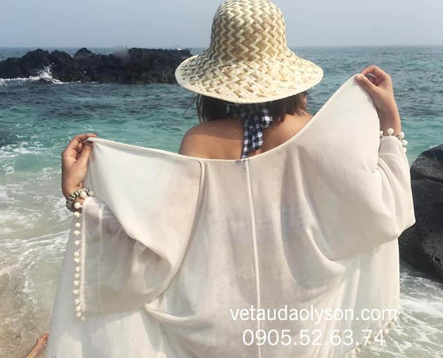 Tắm biển ở Đảo Bé Lý Sơn