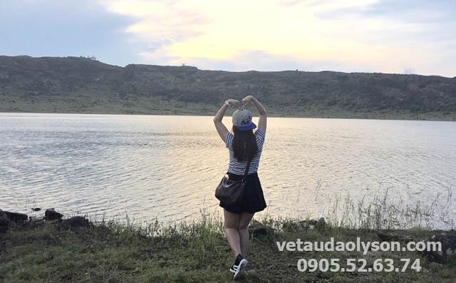 Hồ Thới Lới là ngon núi lửa triệu năm đang ngủ yên. Đây cũng là nơi cung cấp nước ngọt cho cả Đảo Lý Sơn