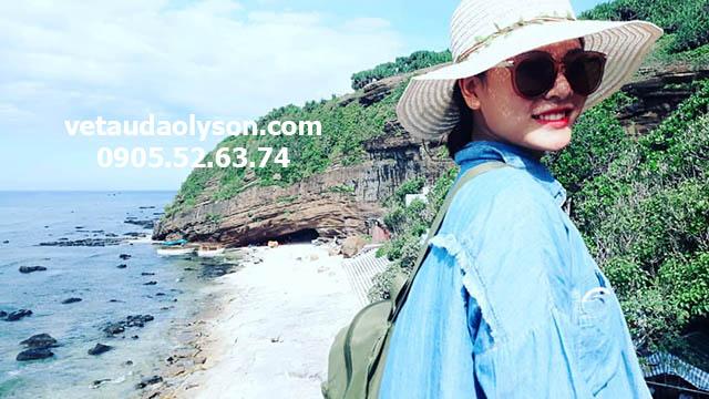 Khung cảnh xinh đẹp Chùa Hang
