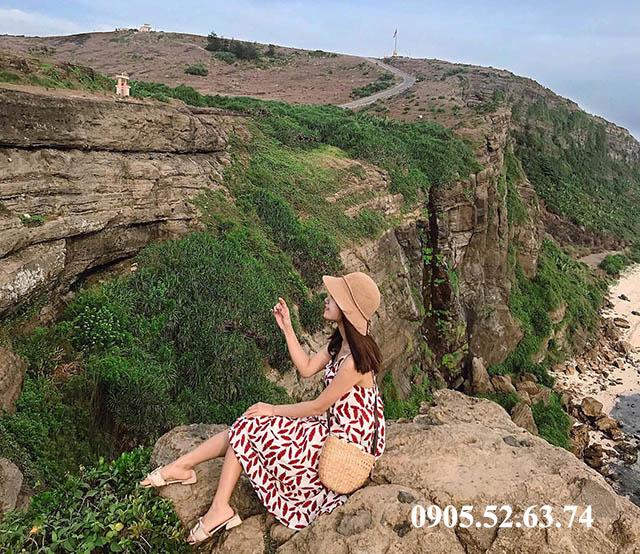 Một chút hè Núi Thới Lới trong tour du lịch Lý Sơn 2 ngày 1 đêm