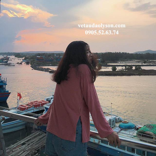 View đẹp tại bến tàu ra Đảo Lý Sơn